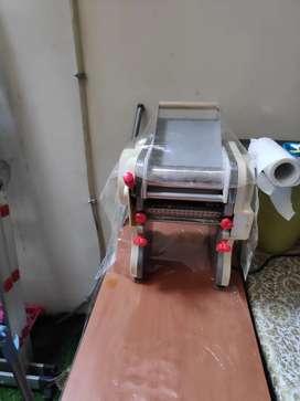 Dijual cepat mesin pembuat mie merk GETRA