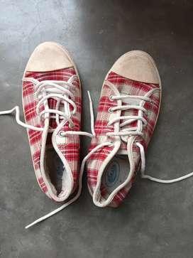 Party shoes (5 no.)
