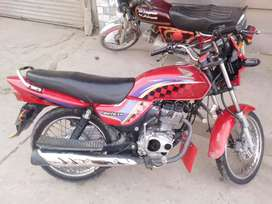 Honda deluxe superb condition  sell and exchange  only honda 125