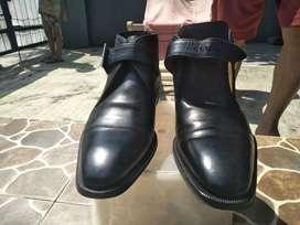 Sepatu MAGNANNI