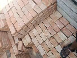 Batu bata merah besar 5,3 dari LUBUK Alung cap panah