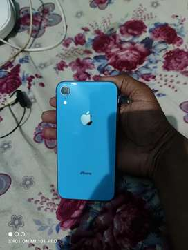 iPhone XR 64gb in awesome condition