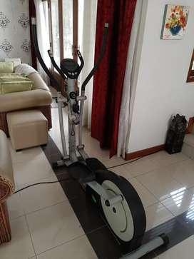 Shaga Elliptical Trainer / Treadmill / Fitness