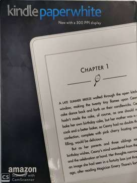 Kindle paperwhite with 300 PPI display (2016)