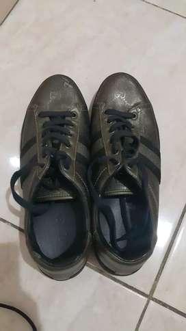 Sepatu Gucci Ori ukuran 37 wanita