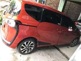 Mobil Toyota Sienta Type V Manual Tahun 2018