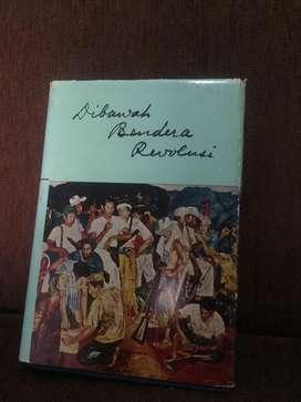 """Jual Buku """"Dibawah Bendara Revolusi"""" Djilid Pertama"""
