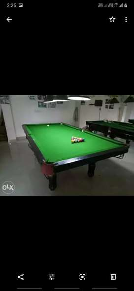 Snooke and pool table