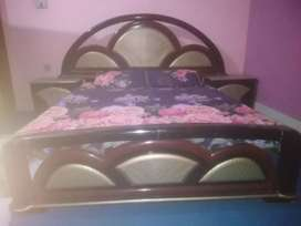 Wooden double bed and dressing table for sale