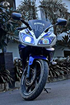 Yamaha R15 v2 for sell full condition