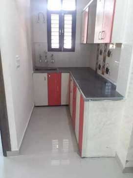 2 BHK, rent flat for 700 sqft in vasundhara sector 9 with semi furnish