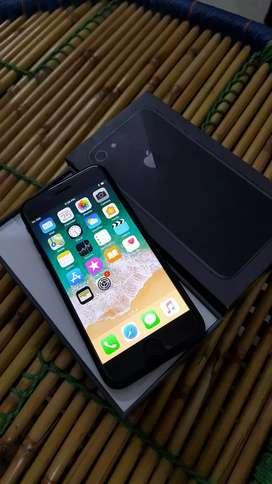 Iphone 8 64 gb grey colour