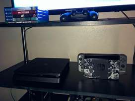 PS4 Play station 4 PS4 with 2 controllers and 5 games
