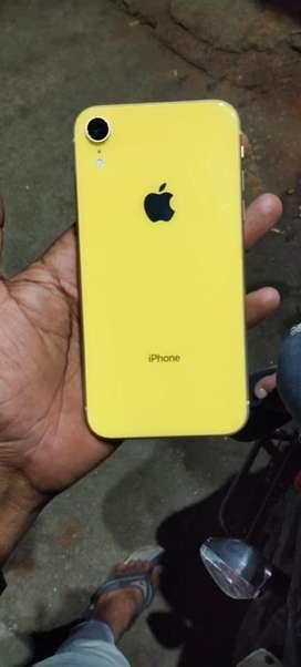 iphone XR hai full candisan mine hai 64 gb hai magr box nhi hai bill
