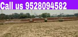 On highway Commercial Plot le