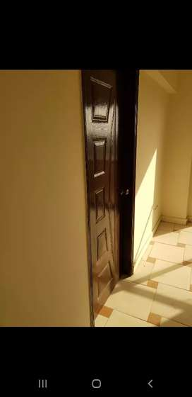 mehran tower near rimjhm tower 4BED new  flate rent 20000 with mantnce