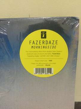 Piringan Hitam Vinyl Band Fazerdaze Dengan Tanda Tangan