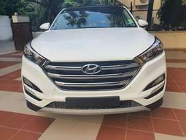 15 days old car..4wd top end model..new car price 30.43