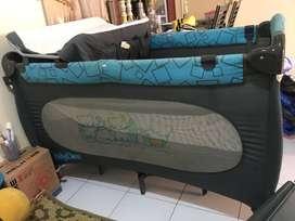 Box Tempat Tidur Bayi Besar