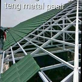 Menerima pemasangan rangka baja ringan