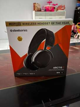 Headphone Steelseries Arctic 7 gaming headphone