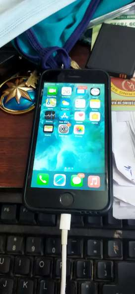 Iphone 6s good condition with box