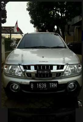 Isuzu panther grand touring 2013 top condition