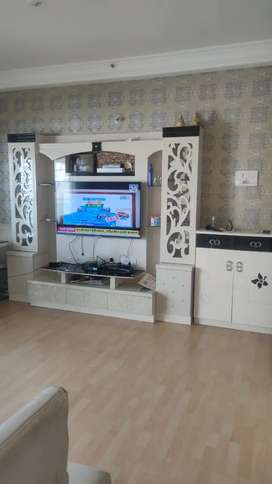 Big Designer TV Unit with storage in very good condition