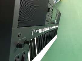 Music Instrument: Yamaha S 970