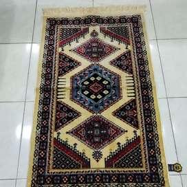Sajadah yakar karpet