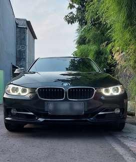 BMW 320i  F30 SPORT  edition Tahun register : 2014, odo 14 rb mls