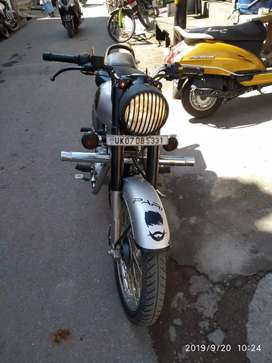 Royal Enfield classic 350 silver colour for sale in good condition