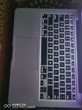 Macbook Pro 2015, Core i5, 8gb Ram, 256Ssd Fully profeessional Book.