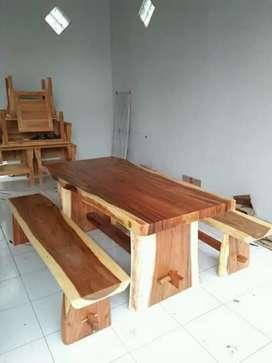 Bangku set meja makan P:150cm bahan kayu utuh terambesi.