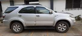 WELL MAINTAINED 2 OWNER TOYOTA FORTUNER