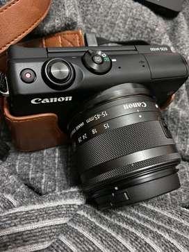 Canon M100 Mirrorless - Black (Banyak Bonus)