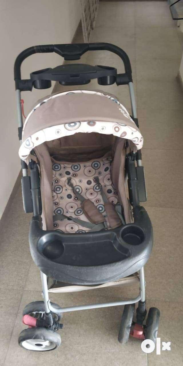 Mee Mee baby stroller 0