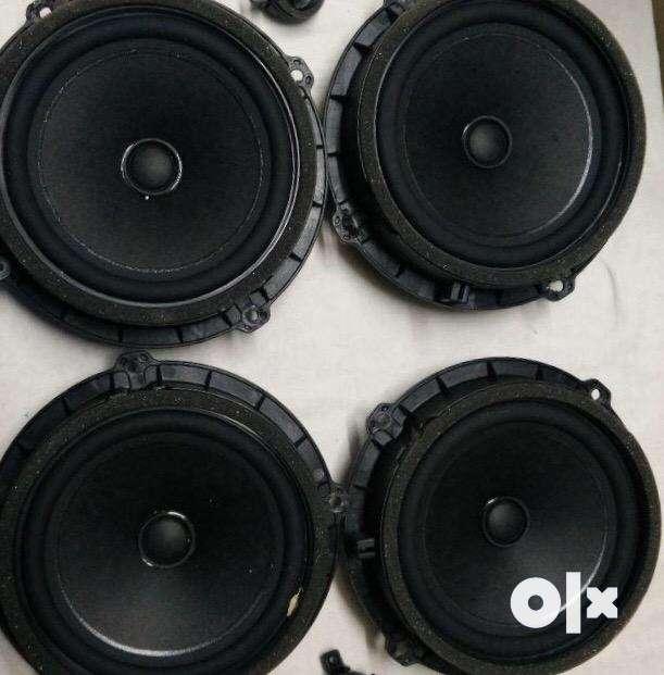 "SALE :Creta built in speakers x4 (6"" speakers ) 0"