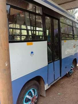 Mahindra tourister
