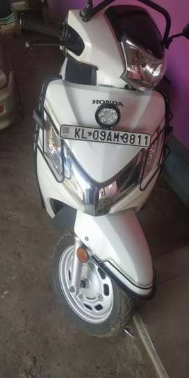 Honda Activa 4g Deluxe excellent condition 2017-7200km.