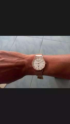 Di jual dan di lelang jam tangan sporty loh murah aja