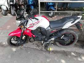 Auto india Yamaha FZS 13 red white Excellent condition up to date docu