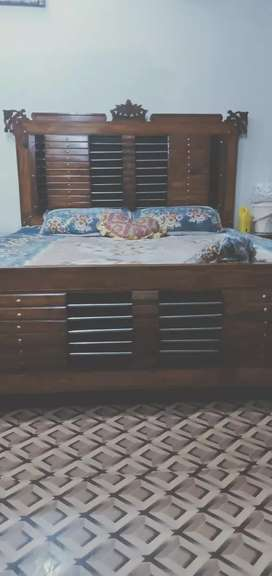 Dubble bed side tables dressing