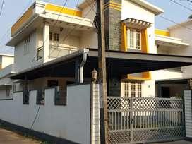 5 cent 2100 sqft 4 bhk new build villa at paravur toen near peruvaram