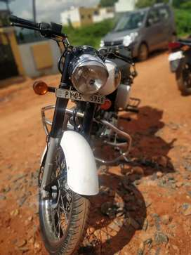 Royal Enfield Classic 350 White for sale !!