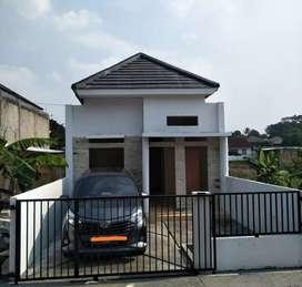 Rumah Cantik dekat dengan McDonald's Sukahati dan Pemda Cibinong