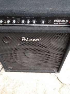Studio pro guitar amplifier