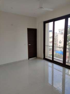 In Electronic city 3bhk is flat is available for lease and rent