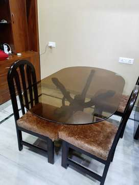 Dining Table (5×3FT, 6 CHAIRS)