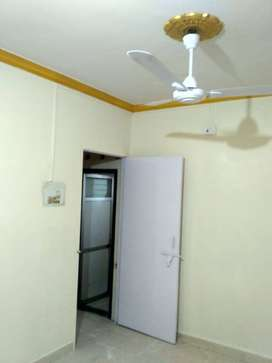 semi firnished flat for rent in vashi well done up